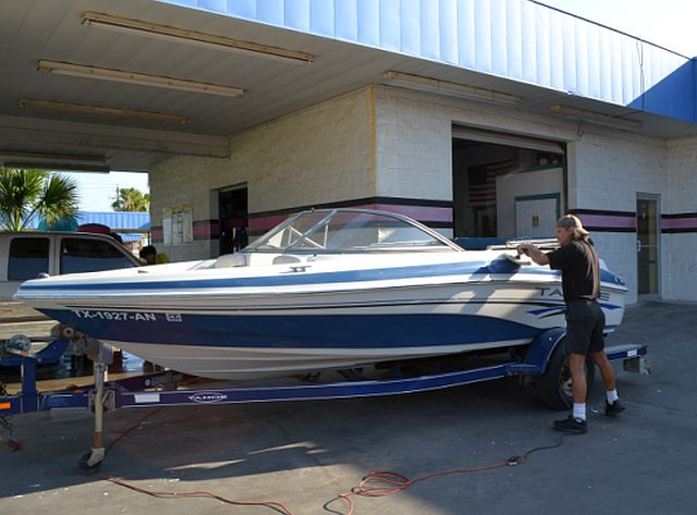 professional-boat-detailing5